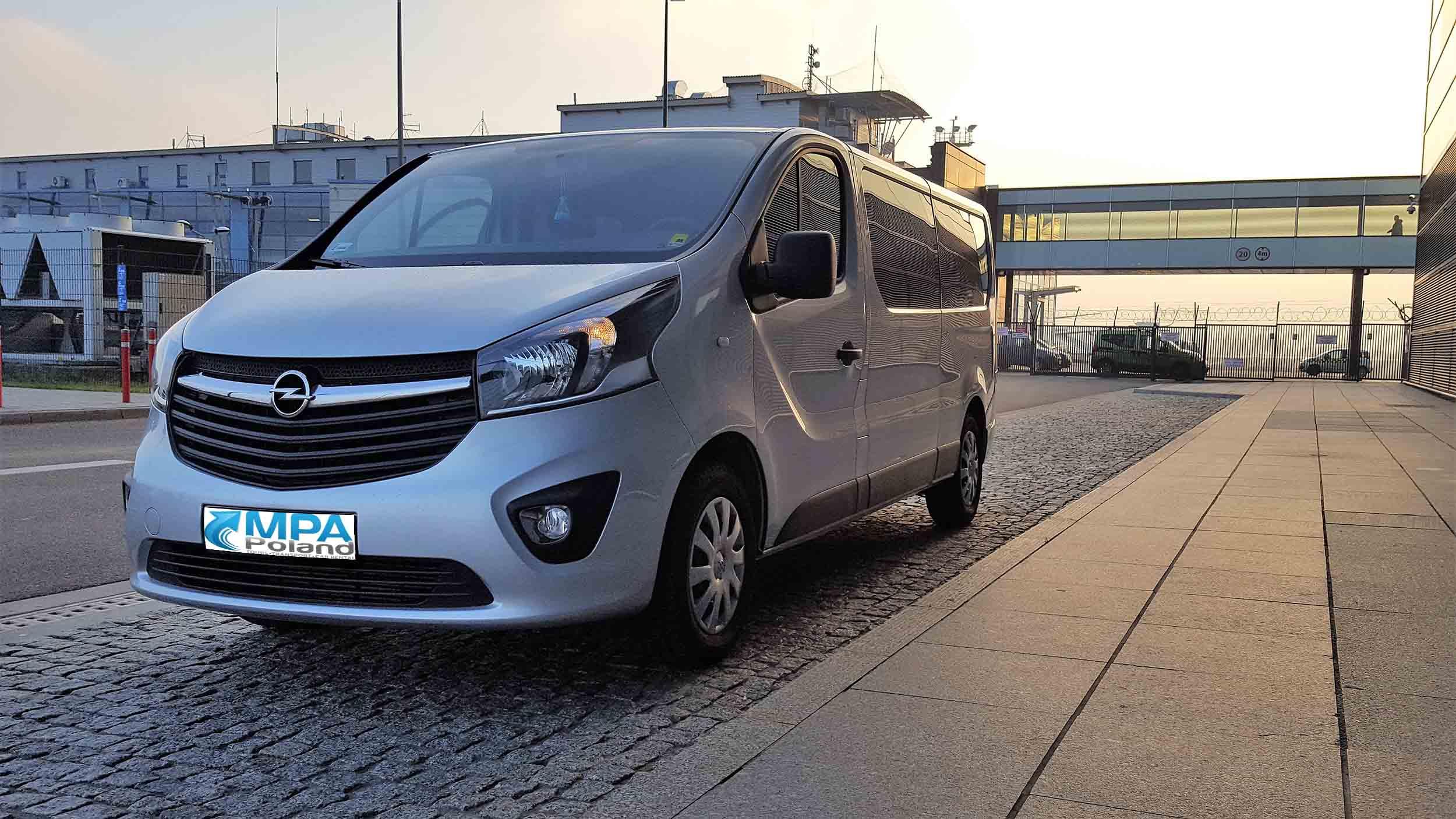Opel Vivaro Long 8+1