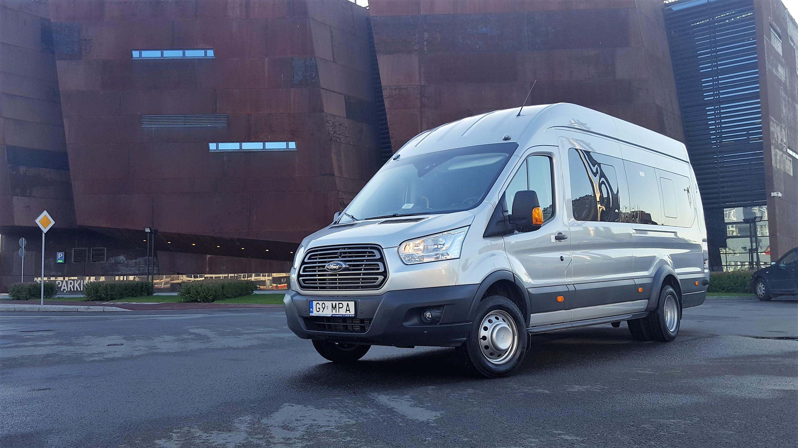 Ford Transit (17 + 1)